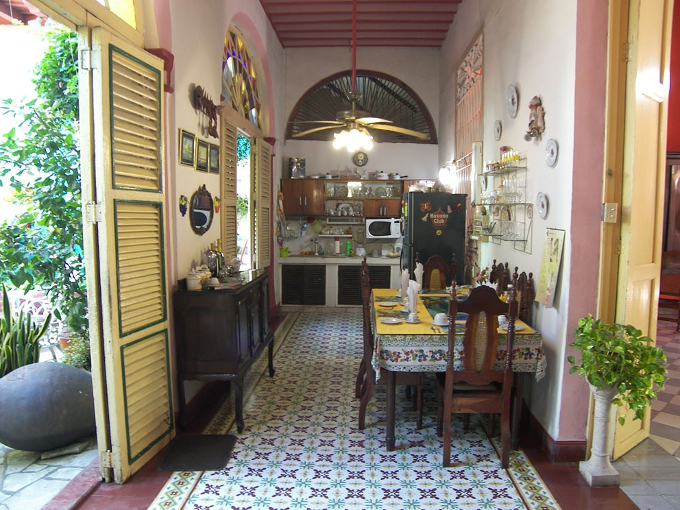 Colonial dining room of a casa particular in Camaguey - Los Vitrales