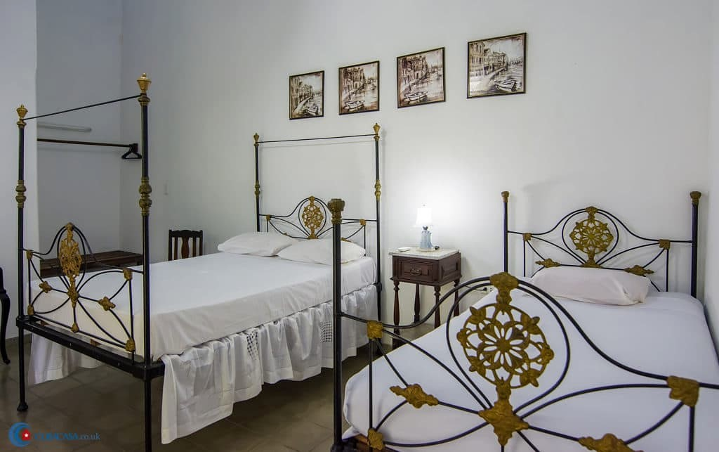 A Cuba casa particular in Trinidad, bedroom of Casa Real 54