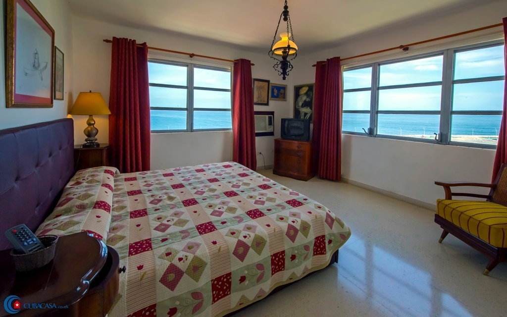From casa particular Gertrudis Martorel you can have a great view of Havana Malecón.